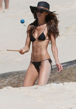 Victoria's Secret Angel Izabel Goulart -- Just Try to Keep Your Eyes on the Ball