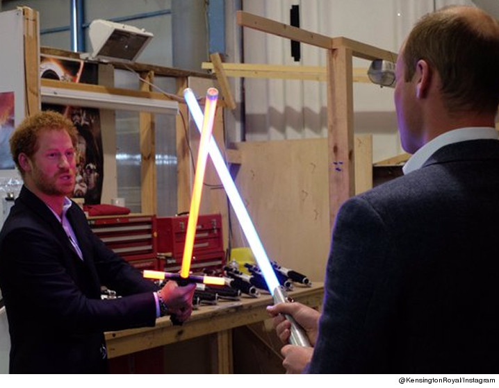 0419-prince-william-harry-starwars-twitter-01