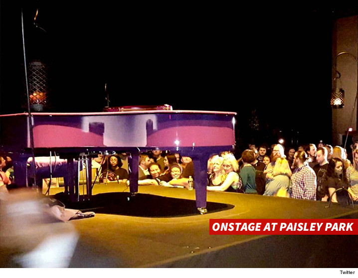 0428-prince-purple-piano-stage-paisley-park-TWITTER-01