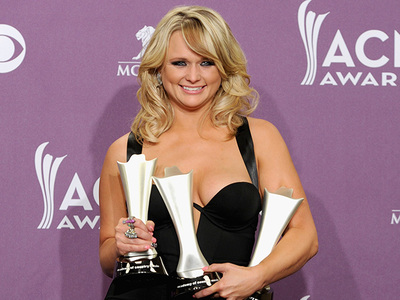 Miranda Lambert Continues to Lose EVEN MORE Weight ... Girl is Almost Unrecognizable!