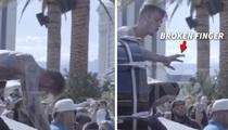 Machine Gun Kelly -- Gets the Finger in Vegas (VIDEO)