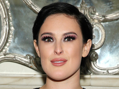 Rumer Willis Photoshopped to OBLIVION ... & She's PISSED! See How They Destroyed Her FACE!