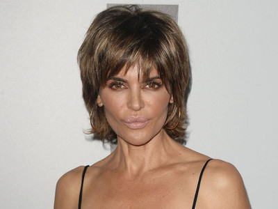 Holy CRAP! Lisa Rinna Gets Rid of Decades-Old Hairstyle, Debuts THIS Craziness!