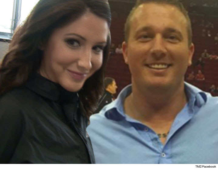 0509_bristol_palin_dakota-Meyer_tmz_facebook