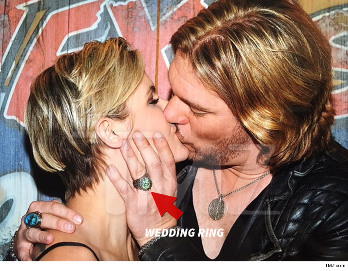 0512-craig-wayne-boyd-wedding-ring-TMZ-01