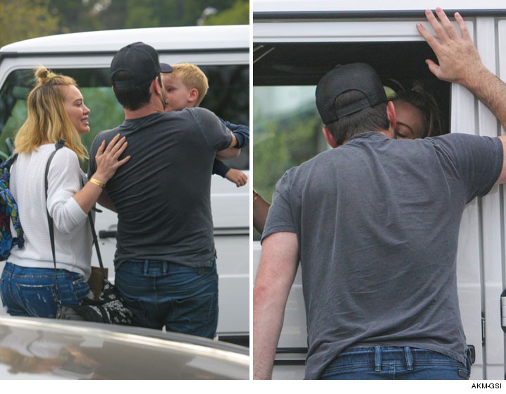 0516-hilary-duff-mike-comrie-baby-kiss-AKMGSI-01
