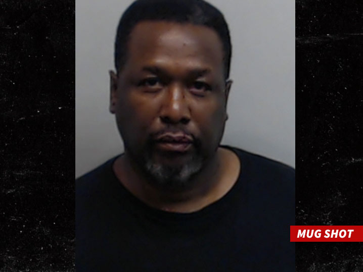 0516-WENDELL-PIERCE-mug-shot-01