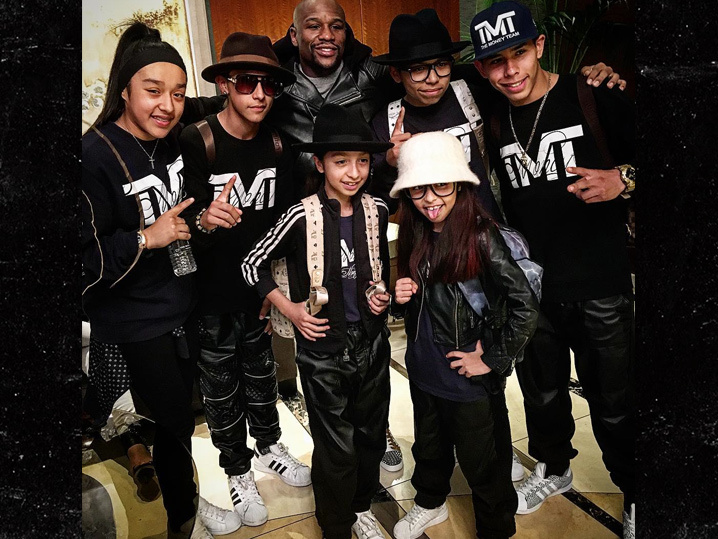 Floyd Mayweather -- Backs Break Dancing Family ... Here