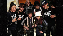Floyd Mayweather -- Backs Break Dancing Family ... Here's $10K, Bust a Move!
