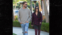 Kourtney Kardashian & Scott Disick -- Dinner for Two (PHOTO)