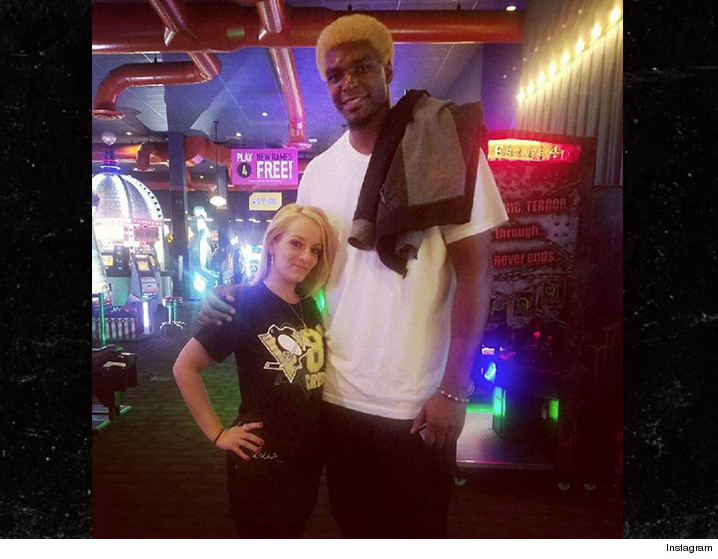 0527-andrew-bynum-tall-dave-and-busters-INSTAGRAM-01