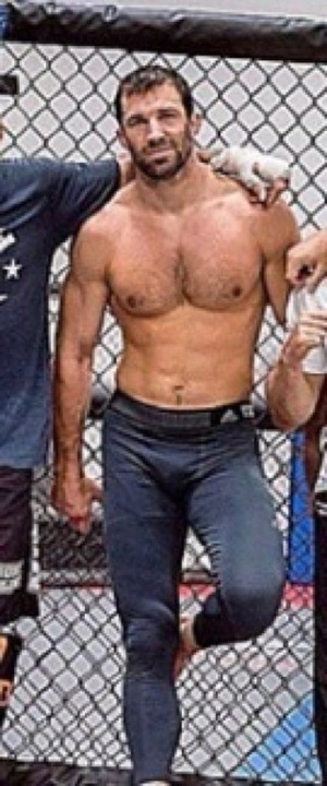 UFC Fighter Luke Rockhold's Ripped Shots