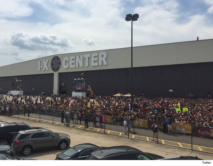 0620-ix-center-cleveland-police-crowd-cavs-TWITTER-01