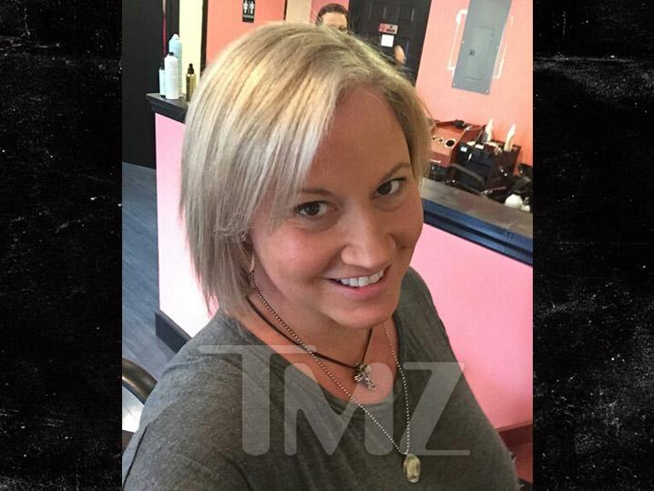 0701_Tammy-at-the-salon-tmz-wm_PRIMARY