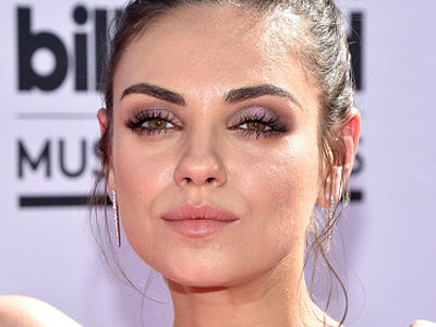 Mila Kunis Shows Off ADORABLE Baby Bump on Red Carpet: Ashton is One Lucky Dude!