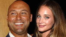 Derek Jeter & Hannah Davis -- MARRIED!!