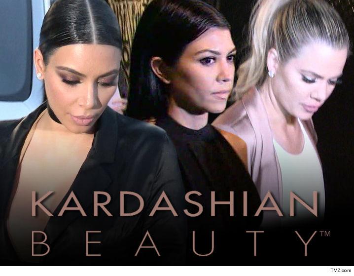 Kim Kardashian West gave Kourtney Kardashian a Snoopy Snow Cone machine