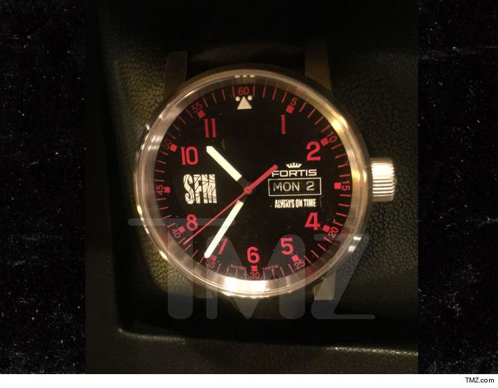 0713-shemar-moore-watch-TMZ-01