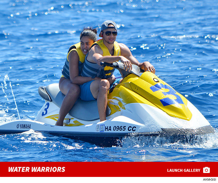 0713_steph_curry_jet_ski_launch
