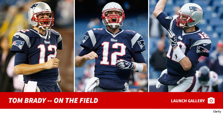 0715_tom_brady_field_footer
