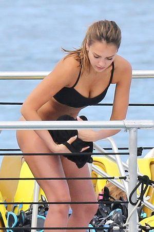 Jessica Alba's Snorkelin' Safari
