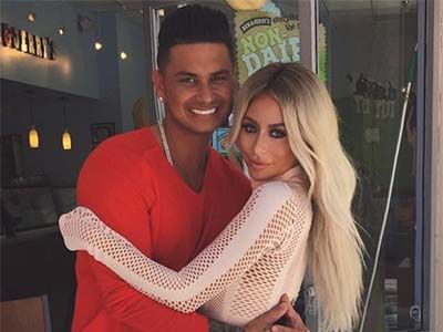 Aubrey O'Day Exhibits MORE Completely Bizarre Behavior on Video ... & What's Up w/Pauly D's…