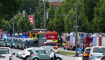 Mass Shooting -- Chaos in Munich Mall (PHOTOS + VIDEO)