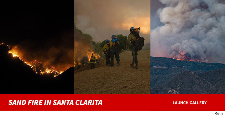 0724-santa-clarita-sand-fire-GETTY-01