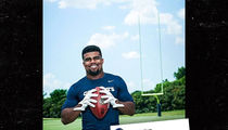 Ezekiel Elliott -- All Smiles Again ... After Domestic Violence Allegations