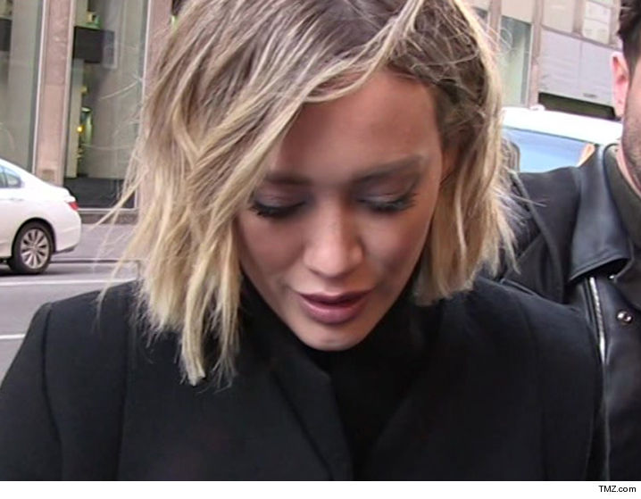 Hilary Duff -- Urgent Warning from Cops ... Obsessed Fan Trying to Propose