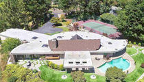 Joe Morgan -- Oakland Mansion for Sale ... Is that a Carpeted Bathtub? (Pics)