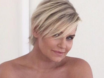 Yolanda Hadid, 52, Looks Absolutely STUNNING In Sexy New Modeling Shots!