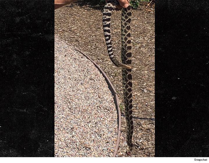 073016_kylie_snake_snapchat_v2
