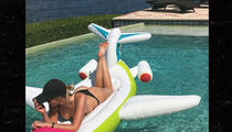Paulina Gretzky -- Sun's Out, Buns Out (Pic)