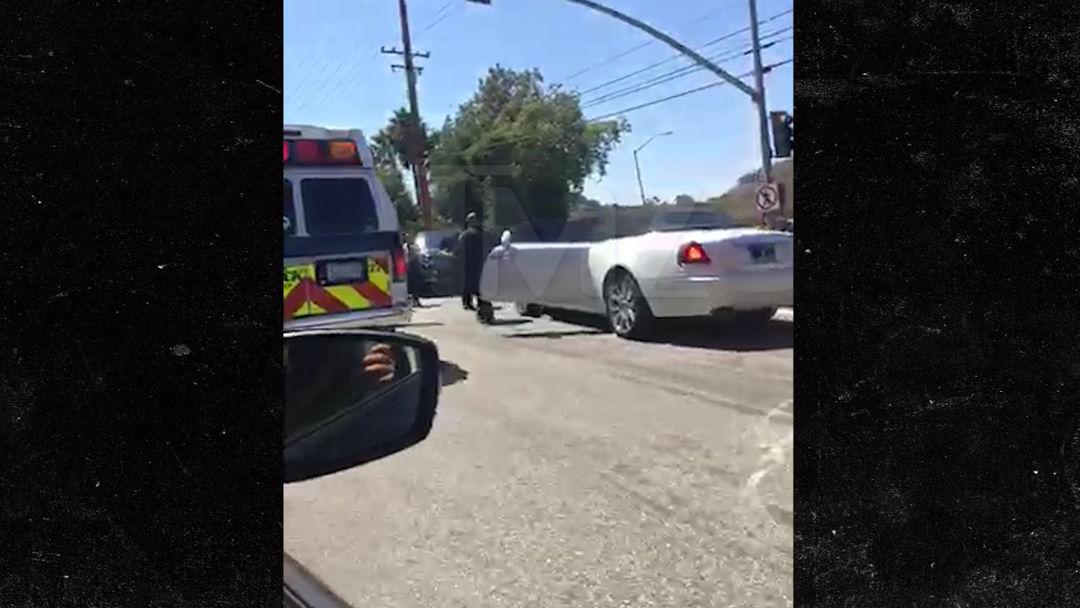 Kris Jenner -- Injured in Car Crash ... Possible Broken Wrist (PHOTO ...