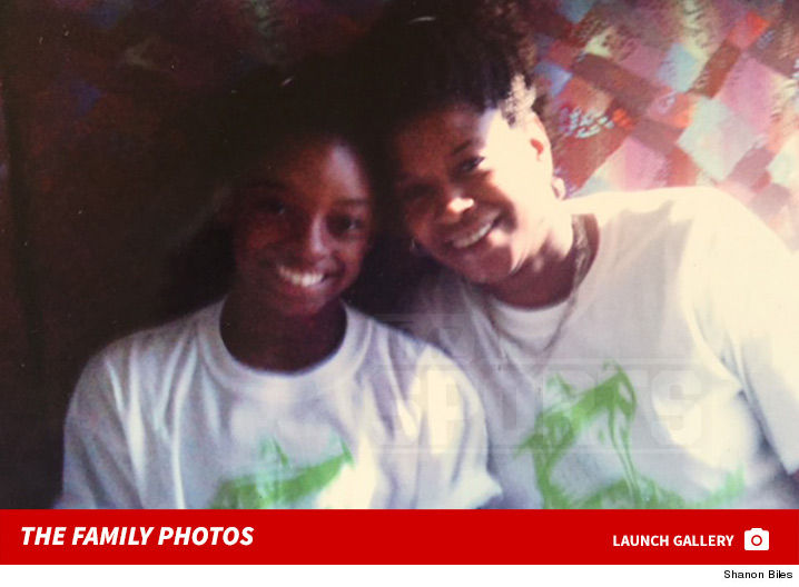 simone_biles_birth_mom_family_photos_footer