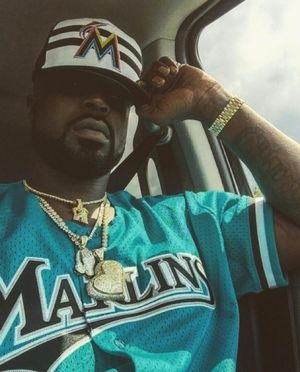 Young Buck's Instagram Photos
