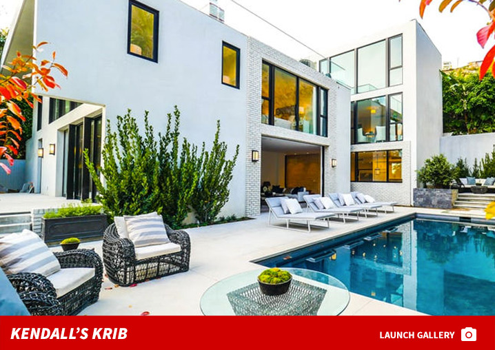 0815_kendall_jenner_house_footer
