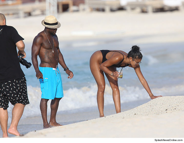 0816-sub-kevin-hart-eniko-honeymoon-splash-01