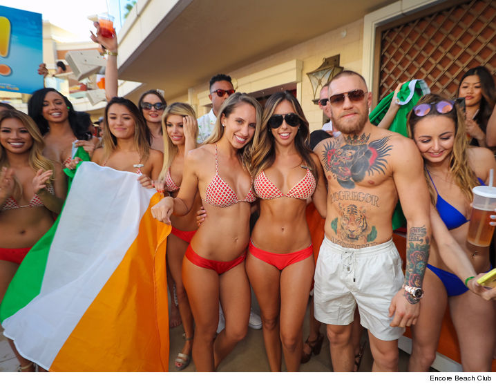 0822-conor-mcgregor-encore-beach-club-01