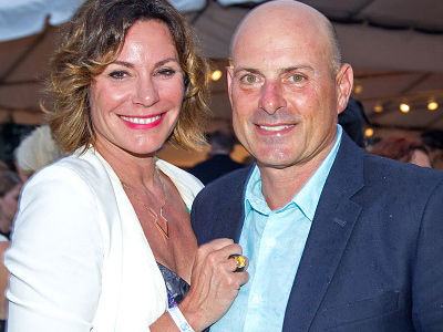 "See Pic of ""RHONY"" Star's Fiance MAKING OUT w/ Another Woman -- & Luann's Shocking Reaction!"