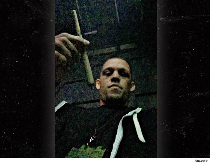 epic face weed nate diaz parties sparks massive blunt with snoop