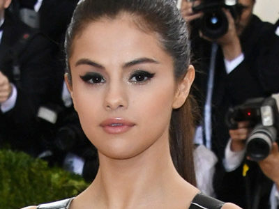 "Selena Announces She's Taking ""Some Time Off"" -- Reason Why Is Heartbreaking"