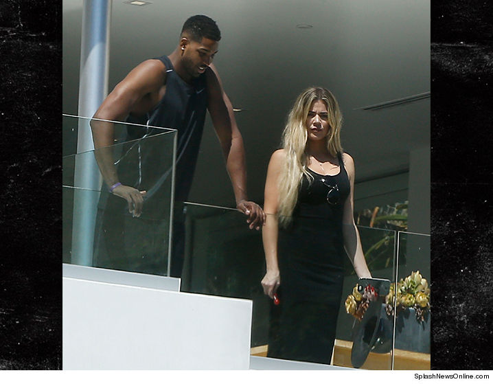 0902_Khloe-Kardashian_splash-MAIN-A
