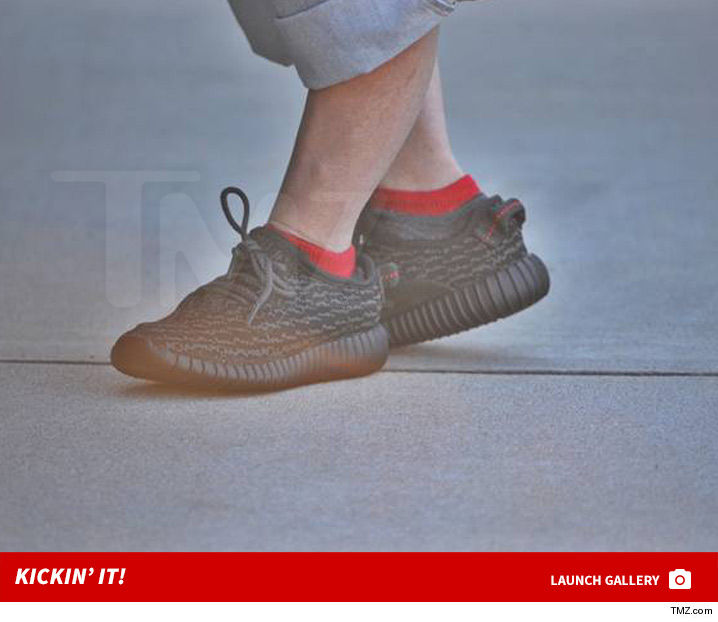 0907_verne_troyer_yeezy_boost_baby_shoes_launch