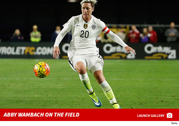 0912_Abby-Wambach-on-the-field-footer