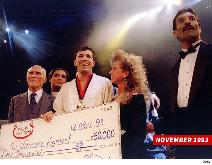 0915-royce-gracie-ultimate-fighter-check-1993-sub-GETTY-01