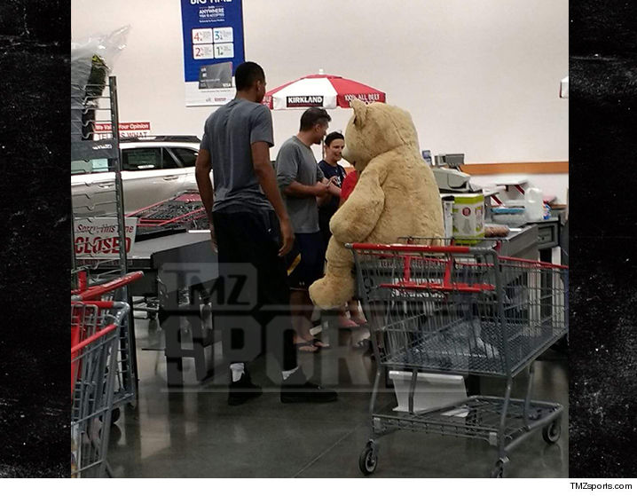 0919-giannis-antetokounmpo-BEAR-COSTCO