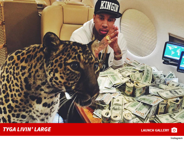 0922_tyga_living_large_instagram_footer