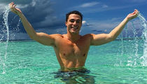 Colton Haynes' Shirtless Vacation -- Check Out the Turks & Caicos Takeover